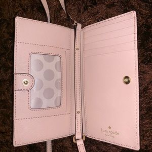 """Kate Spade Cross Body Wallet *Size of iPhone Max"""""""